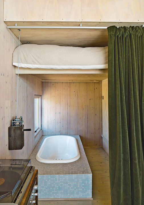 sailing_the_high_desert-prefab-vaction-home-lifted-guest-bedroom-with-bathub-revealed.jpg
