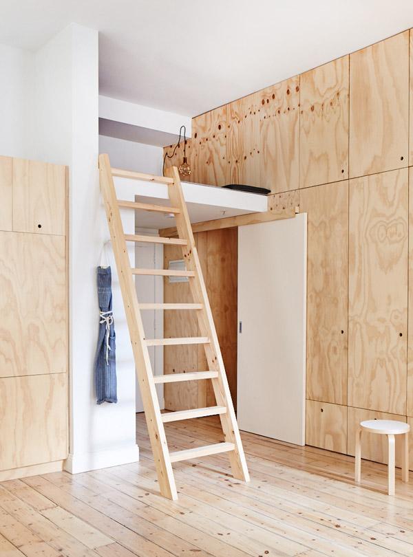 Melbourne apartment - mezzanine pour plus de rangement.jpg