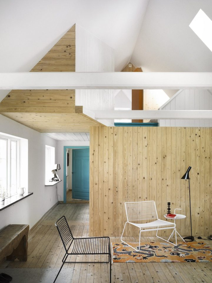 summerhouse-skane-lasc-studio-ldk1-via-smallhousebliss.jpg