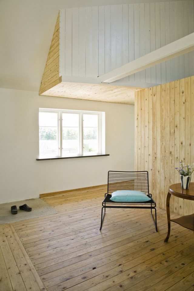 summerhouse-skane-lasc-studio-ldk2-via-smallhousebliss.jpg