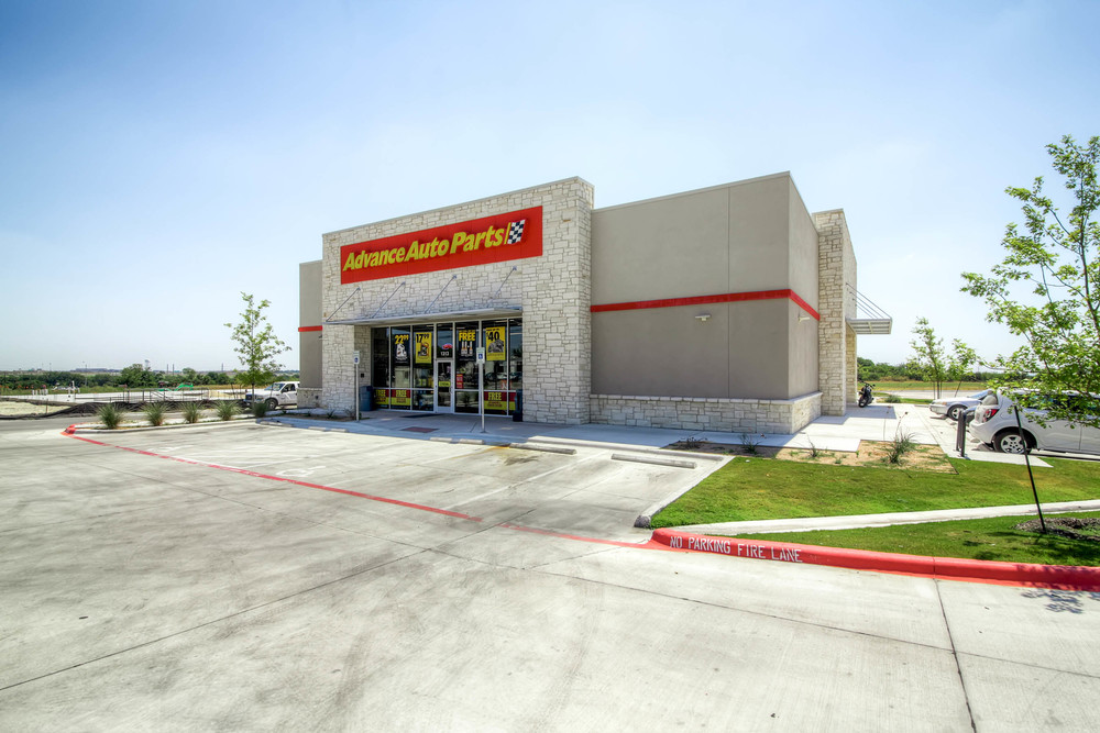 Advanced Auto - 6,935 square feet single tenant retail facility in  Pflugerville, Texas