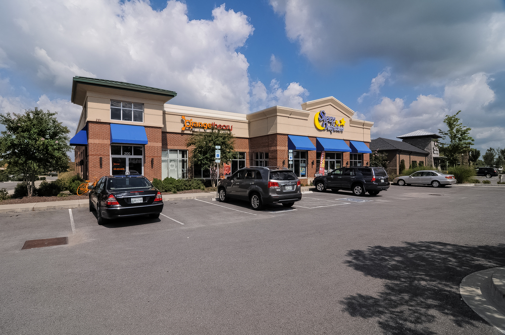 Indian Lake Shops - 6,545 square foot multi-tenant shopping center in  Hendersonville, TN