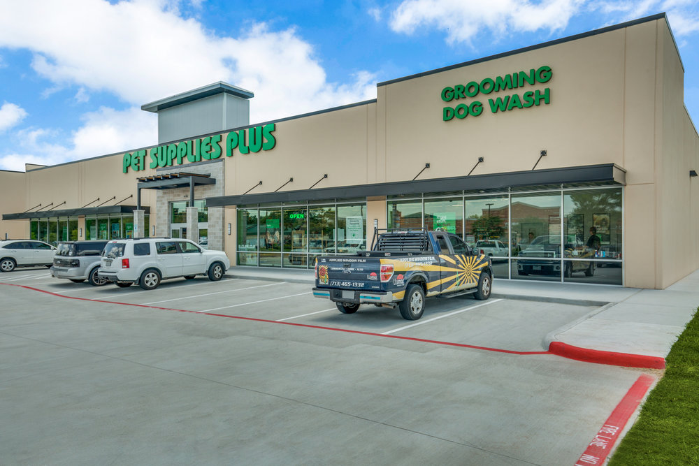 Pet Supplies Plus - 9,000 sf single-tenant retail facility in  Katy, Texas .