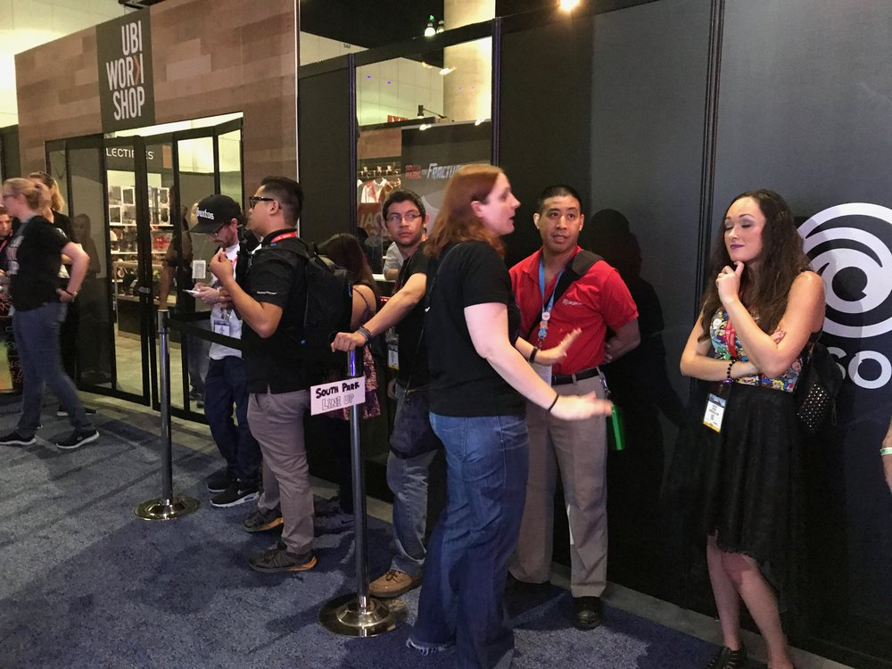 The line for custom shirts at 2017 E3.