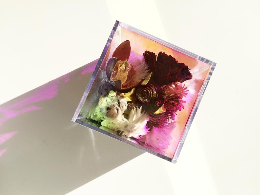 smallflowerbox2.jpg