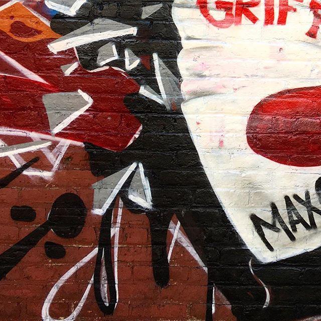 Sneaky peaks #graffiti #art #mural #productions #collabo #graffitiproductions #3d #oldschool #straightletter #paintingsneakpeak #montana #montanacans #crone #tone