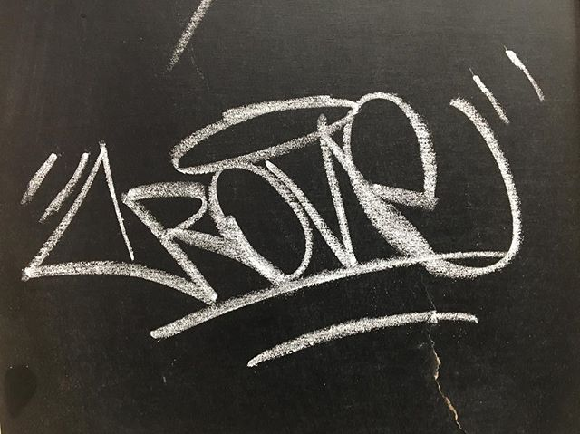 Chalk texture #chalk #tag #tagging #writing #crone #graffiti