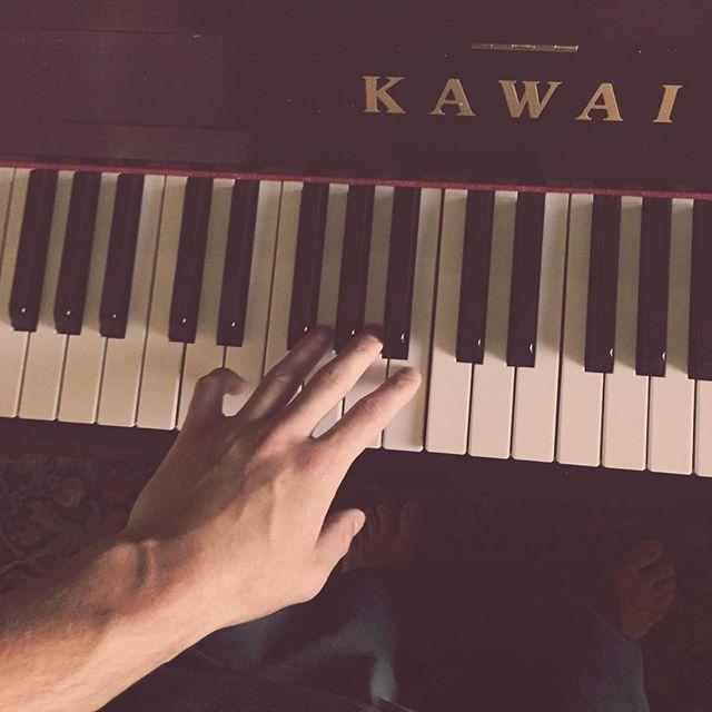 sleep deprived is the best recipe for creative work sometimes  #pianorecording #solopiano #pianosolo #composition #piano #kawaipiano #kawai #music #musiccomposer #musiccomposition #recordingstudio #sleepdeprived #creativity #makemusic