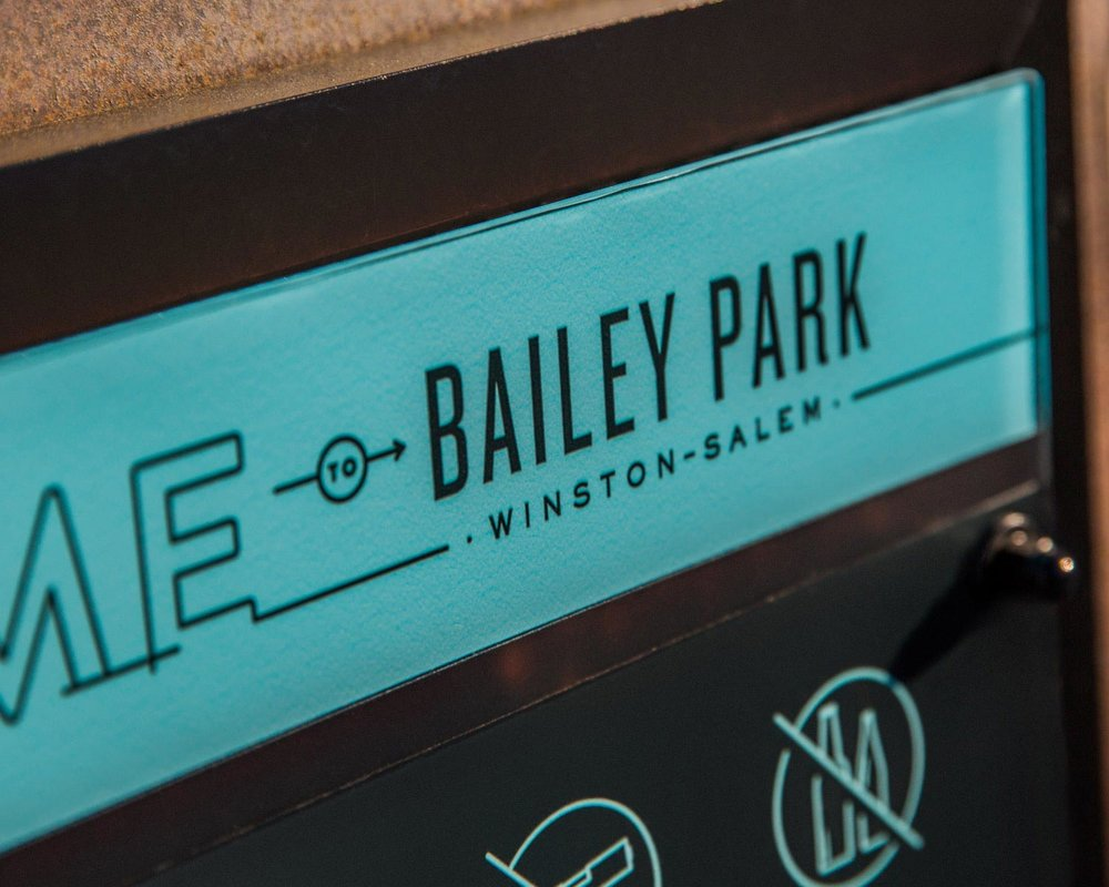 07-Bailey-Park-Entrance-Sign3.jpg