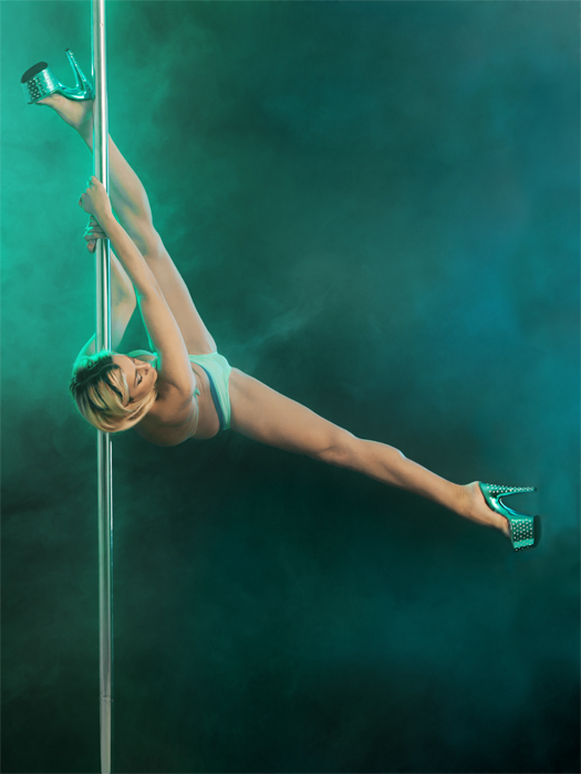 Model-Fotografie in einer neuen Dimension: Poledancing im Fotoworkshop kiel