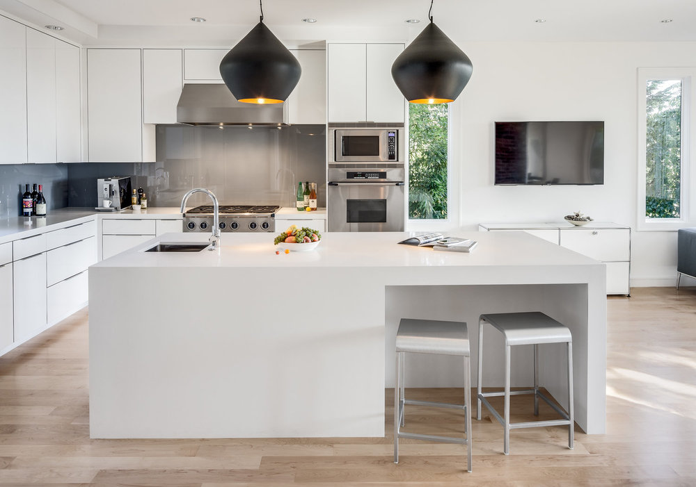 Sleek Contemporary Kitchen and Bath Remodel