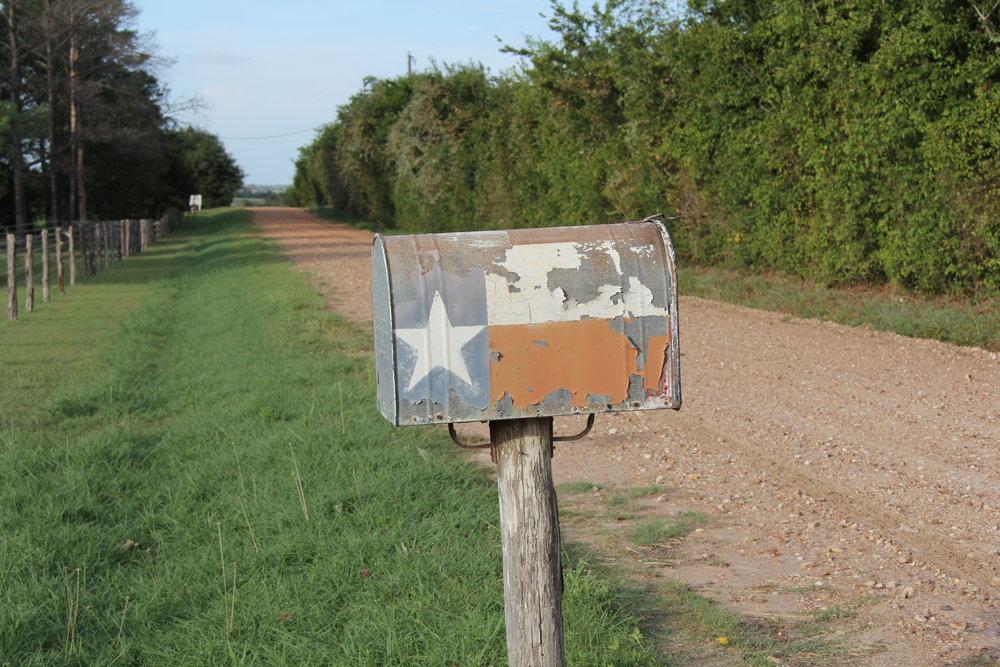 texas mailbox.JPG