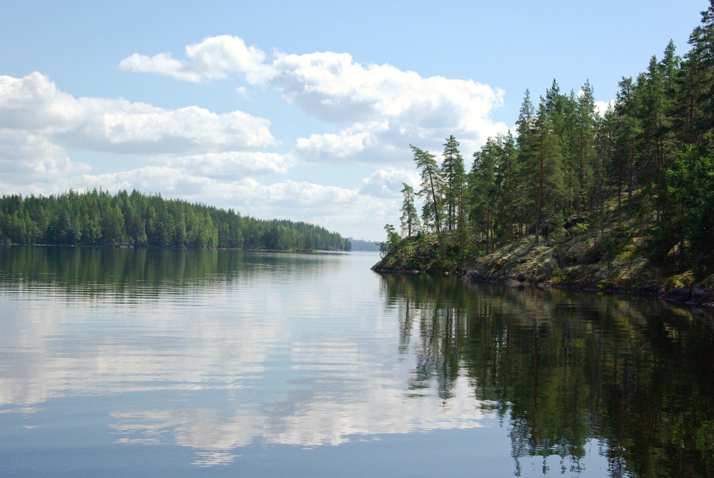 Дом в Финляндии. Дом на берегу озера.
