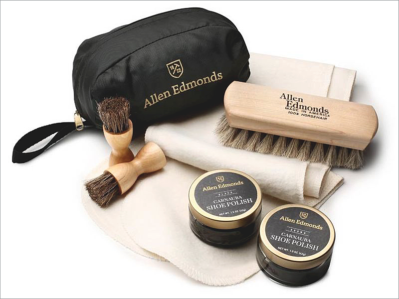 Allen Edmonds Leather Cleaning Kit // Focus: Complete with two kinds of shoe polish!