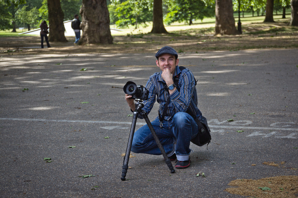 Me setting up at shot outside Buckingham Palace. Photo credit Jennifer Gunther