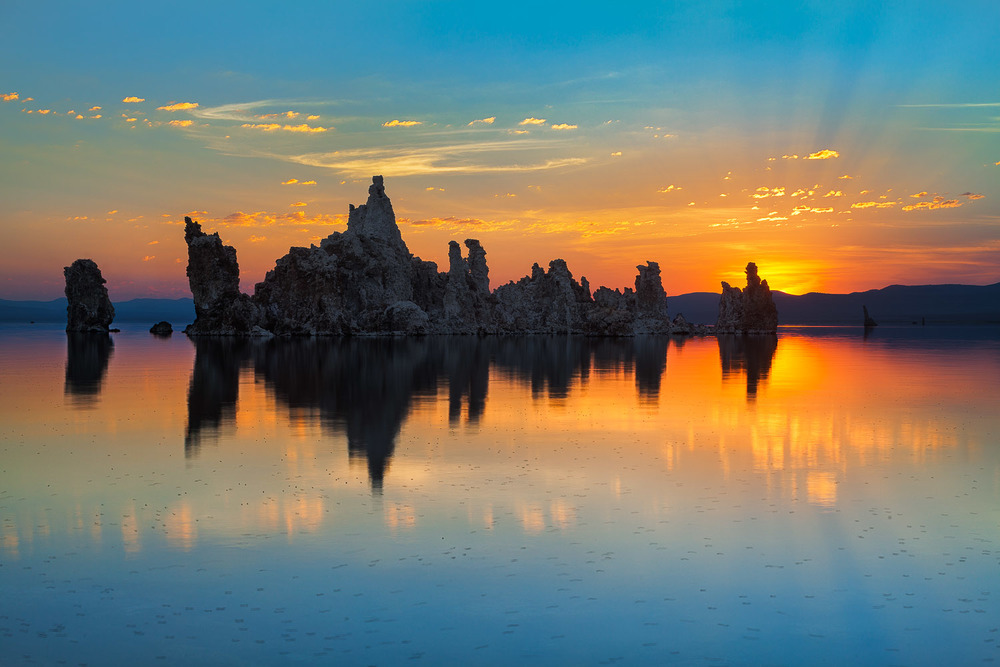 009_Mono Lake Rays.jpg
