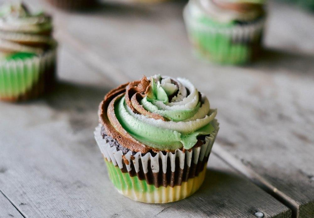 camo+cupcakes-5.jpg