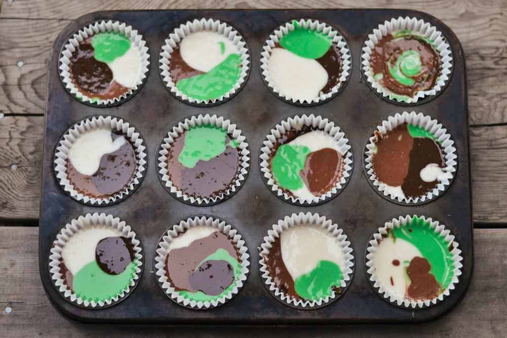 camo+cupcakes-1-2.jpg
