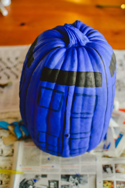 tardis+pumpkin-2.jpg