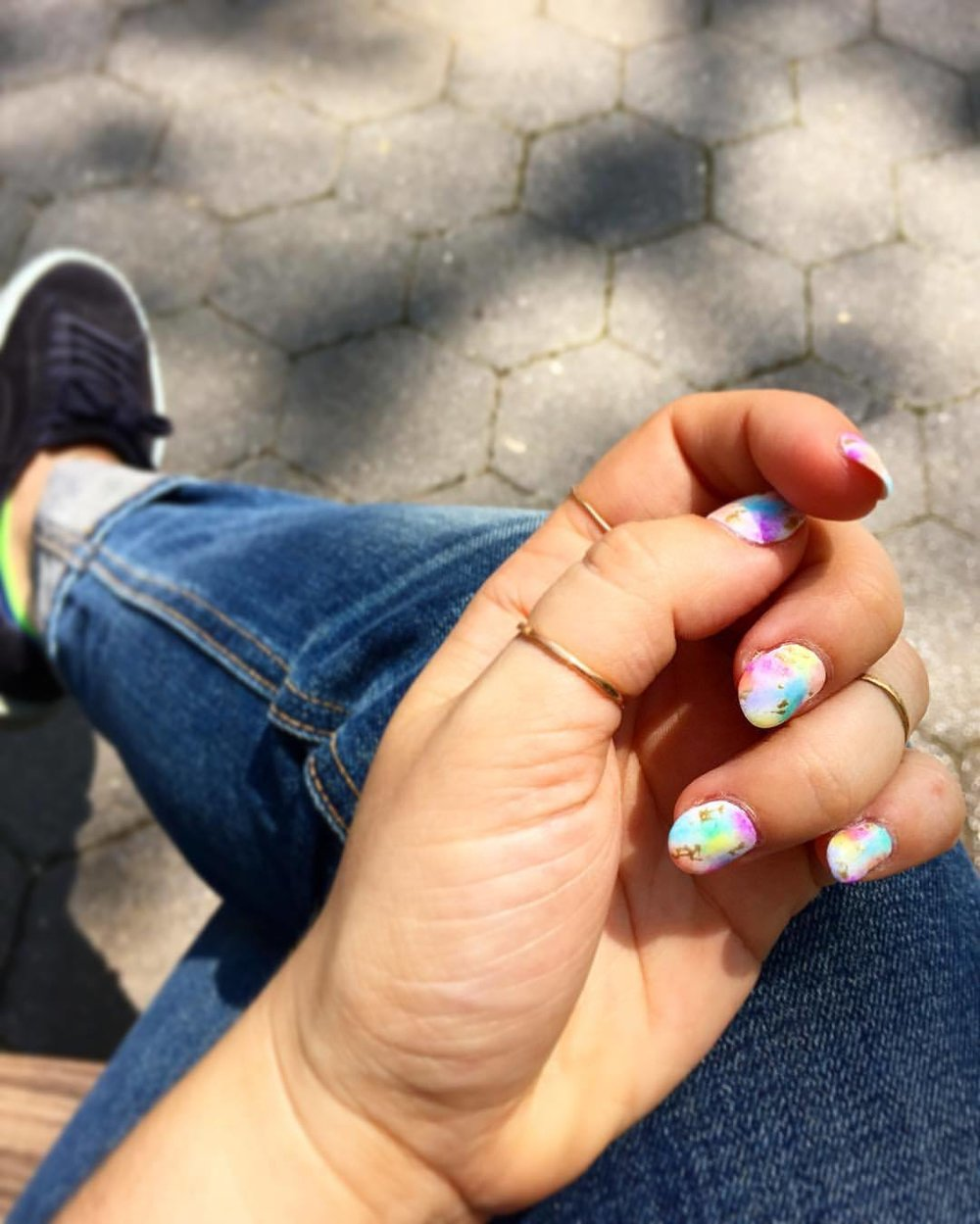 parkin' it with my amazing tie dyed watercolor nails by @ohriginails at @vanityprojects on this gorgeous day. 🙌🏼💕💅🏽  (at Madison Square Park)