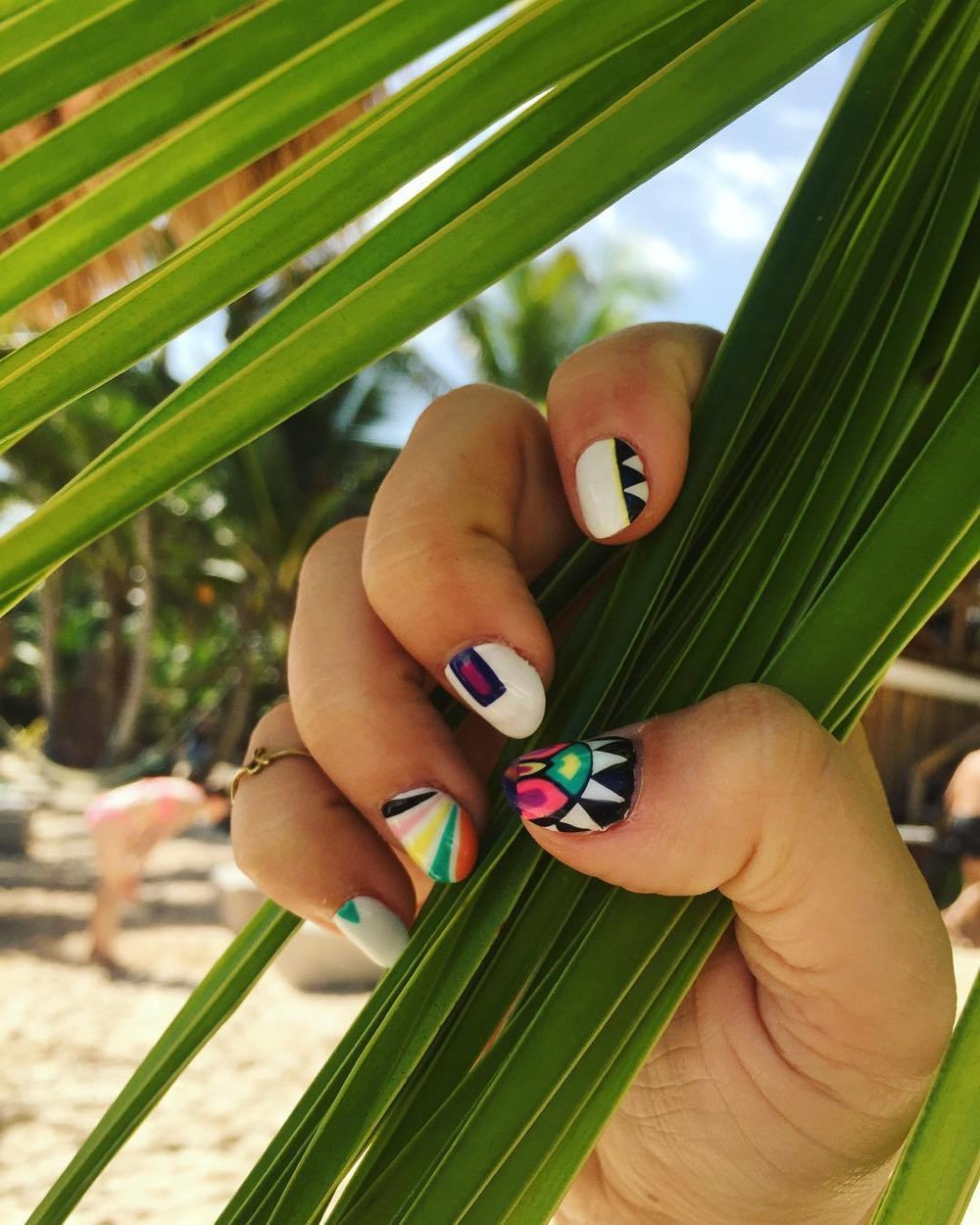 …i wasn't gonna come all the way to mexico without my nail game strong…dur dur da dur dur. #stillinmexicoguys  #tanAF #notgonnastopposting  (at Hotel Rosa Del Viento, Tulum)