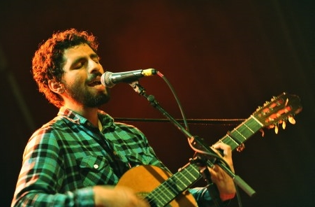 José_Gonzalez_looking__all_soulful