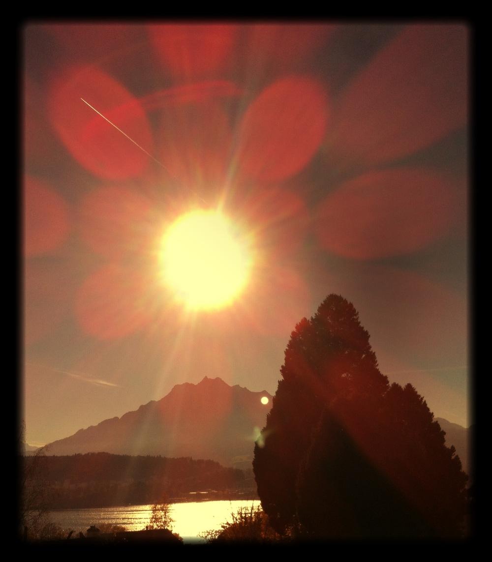 Mount_Pilatus_on_Lake_Luzern_in_sunshine