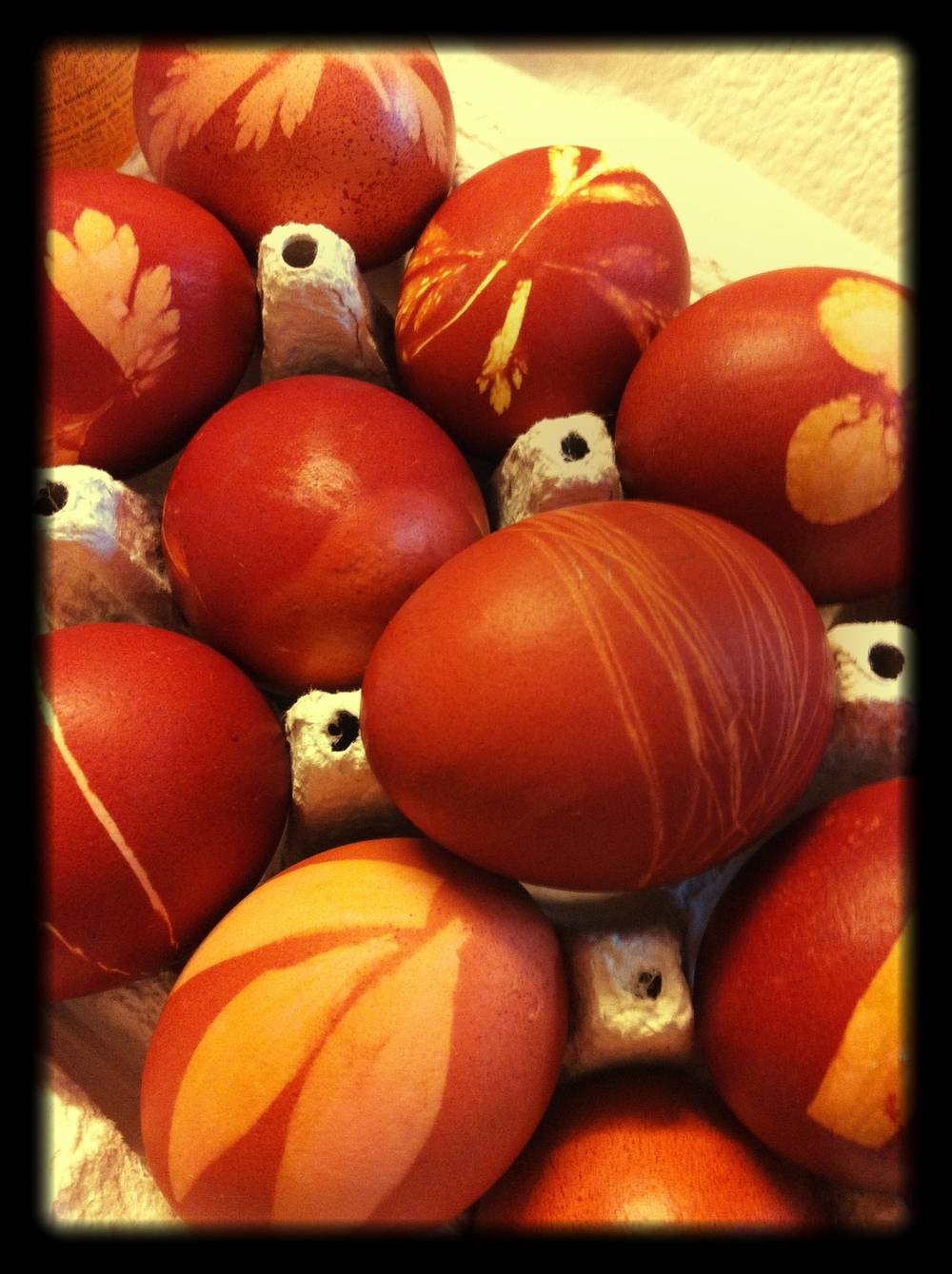 Dyed_and_decorated_Easter_eggs