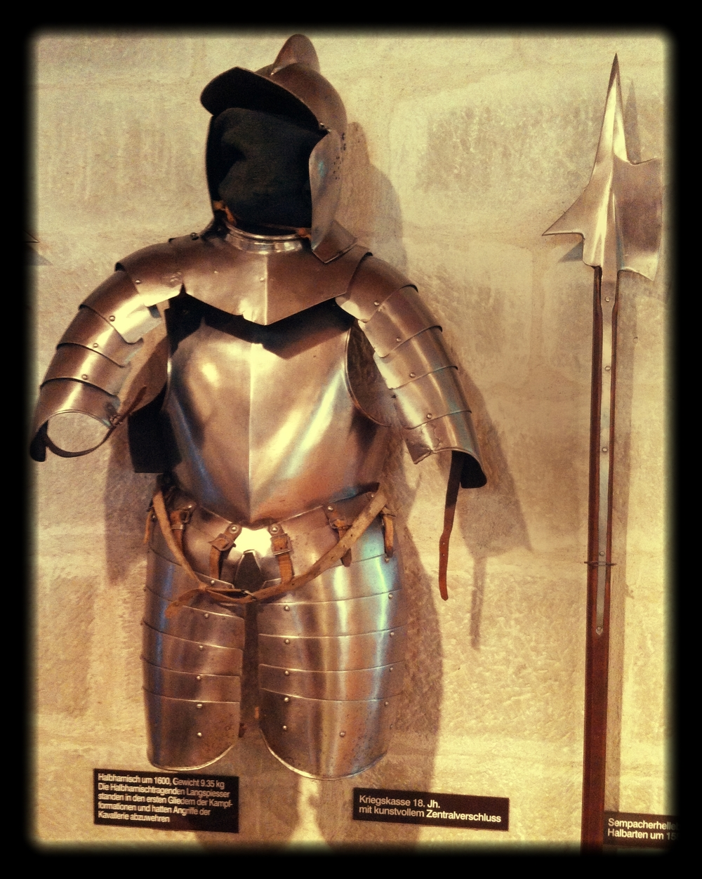 A_knight's_armour
