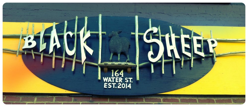 The_Black_Sheep_sign_on_Water_Street