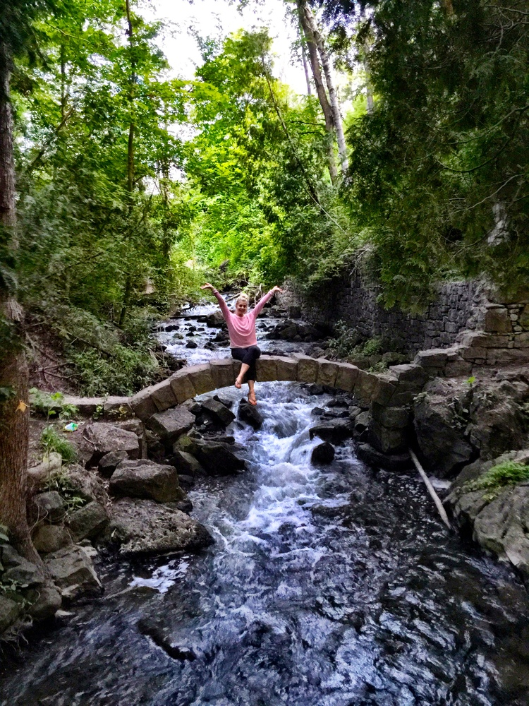 Ontario Hikes Waterfalls That Cant Be Missed This Fall - 6 scenic hikes in halton hills