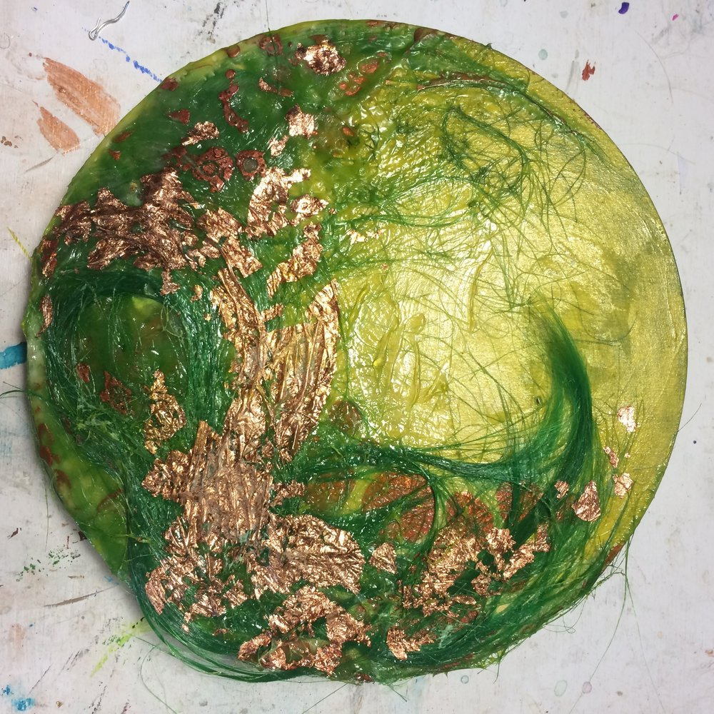 (A) Copper foil, glaze of green gold, phosphorescent paint