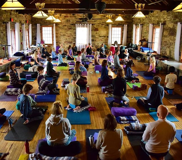 """#fbf to morning meditation in Bald Rock Lodge during last year's HereNowYoga Mindfulness Retreat at Cheaha State Park. FYI this is happening all over again March 14th-18th, 2019 with the intention to put even more """"treat"""" in """"retreat."""" . . Won't you treat yourself to a weekend of guided practice with knowledgeable and skilled teachers Kim Drye and Becca Impello? Includes silent walks in the forest, contemplative journaling prompts for introspection, a mix of alignmemt, slow flow, and restorative asana, rise + sit meditations, and more! . . Sign up now to reserve your spot with a $150 nonrefundable deposit. Open to ALL levels. Early bird total price of $425 until January 1st, $475 after. (Does not include lodging, options from camping to private chalets available through Cheaha State Park, accommodations made seperately)."""