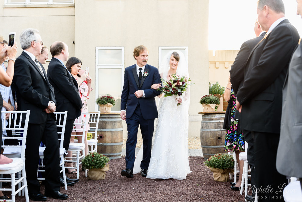 sand-castle-winery-pennsylvania-wedding-photography-64.jpg