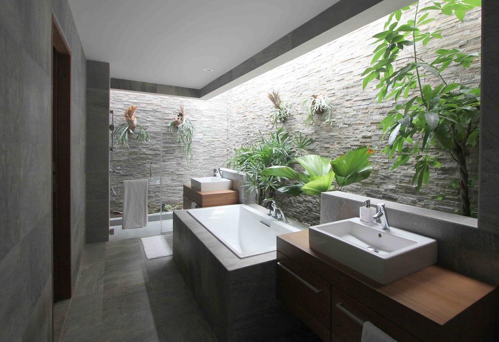 Villa EXHALE - bathroom SM.jpg