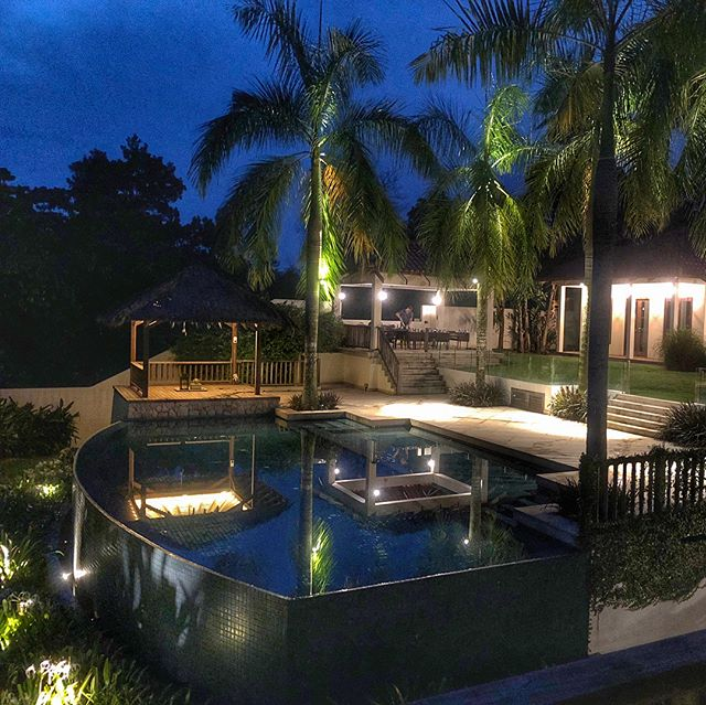Beautiful #tropical #evening at Villa EXHALE sparkling with the outdoor #lighting. #architecture #design #exhalegroup #revisited