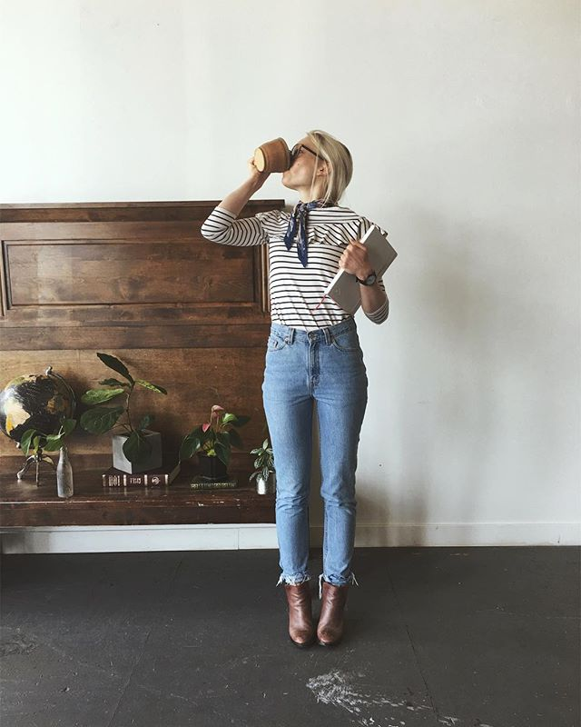 How @cloudless.coffee kills her Tuesday work flow.. in her reworked Levi's by @meilairags ☕️
