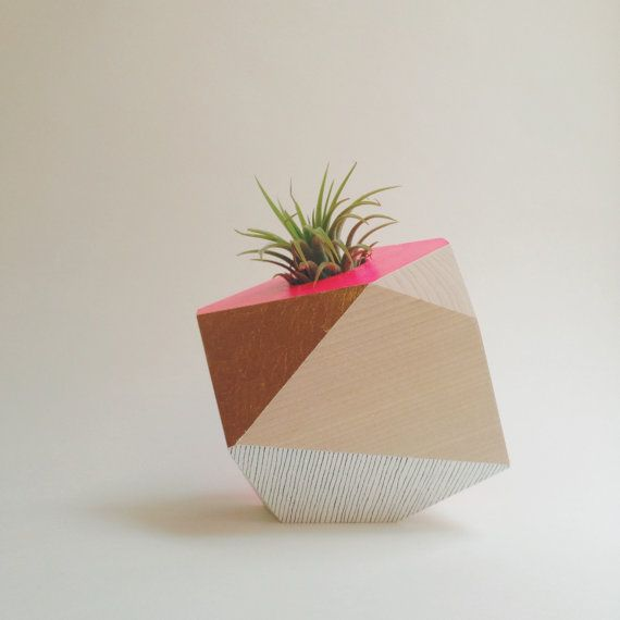 Geometric wood planter by Flaneurs Pocket