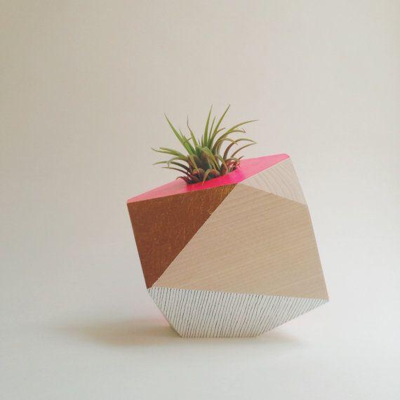 Geometric wood planter by Flaneurs Pocket