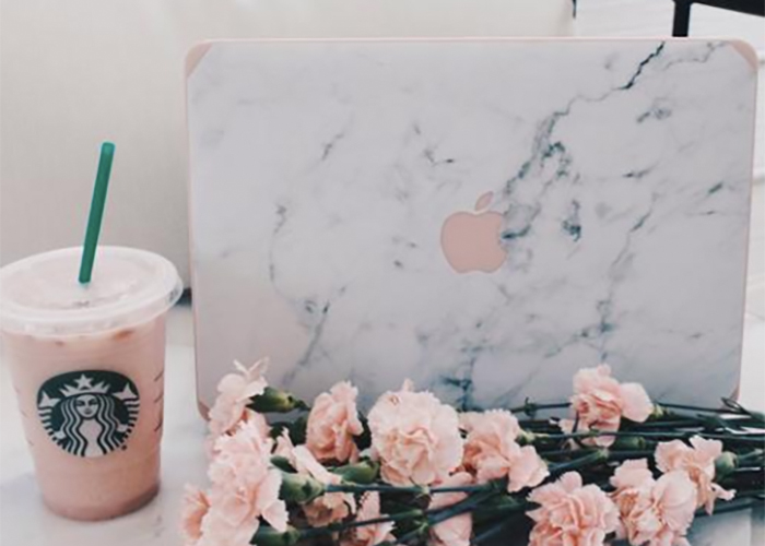 Marble laptop case - Gift guide for Creatives
