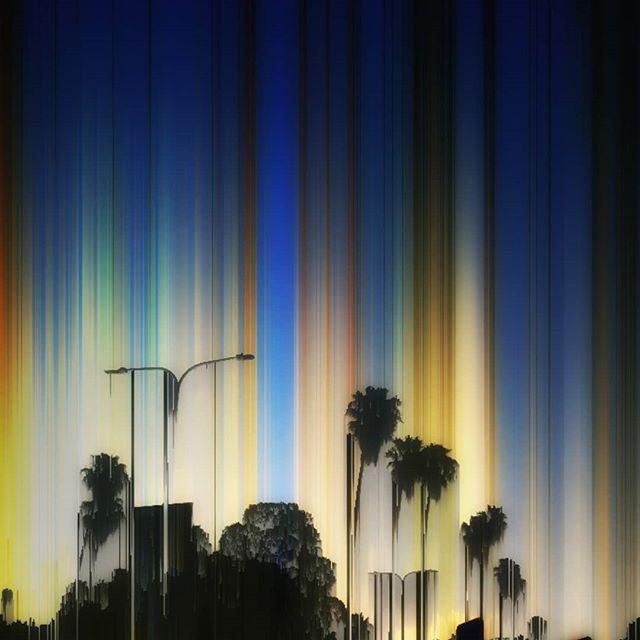 Raining colours on the boulevard 🌴🌈🌴 #wonderful # palmtrees #california #earthharp #streetlight #magic #color #sky