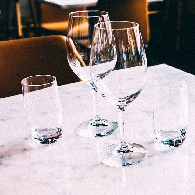 Dinner is served! Kom in till oss denna fina tisdag 🌞 #hearts_sthlm #hotelcstockholm #stockholmstartshere