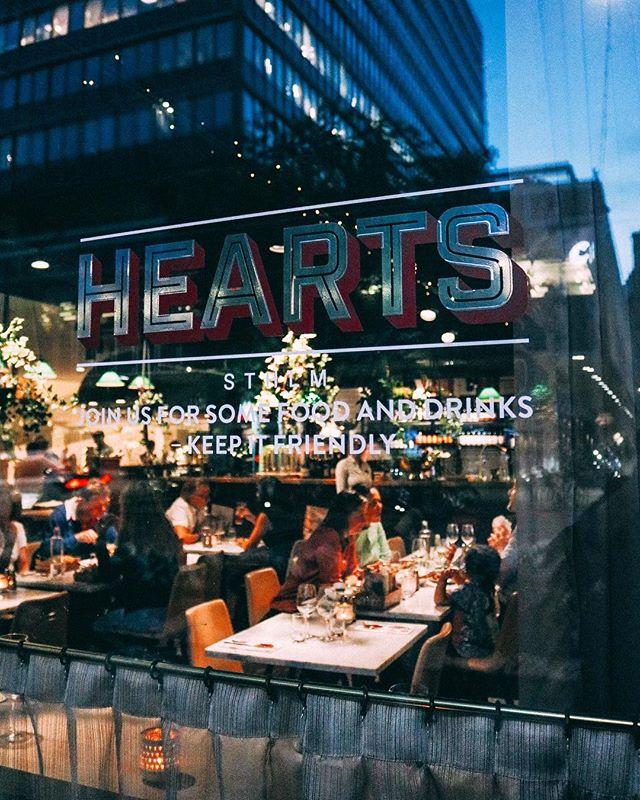 Sommarkväll, vi älskar dig!  Kom in till oss, ta en drink, ät något gott och umgås.  #hearts_sthlm #hotelcstockholm