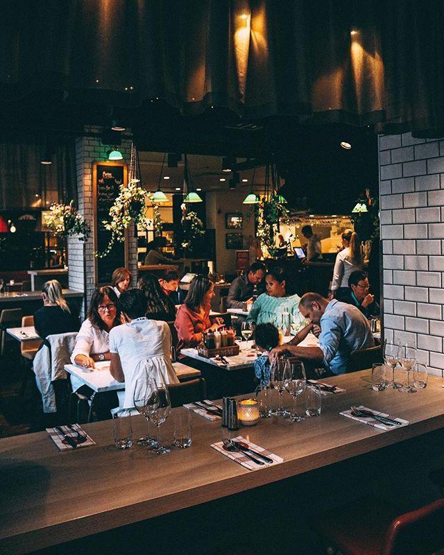 Vår restaurang är fylld av kärlek! #heartslovespeople #hearts #hearts_sthlm #hotelcstockholm