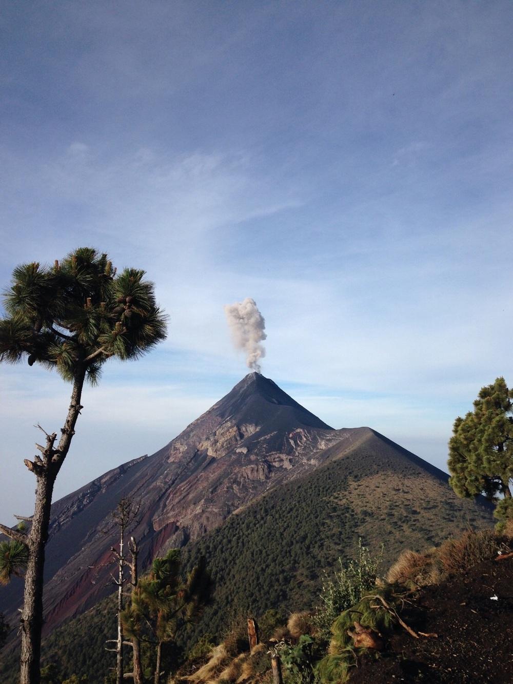 Vulkan Fuego am Räucheln.