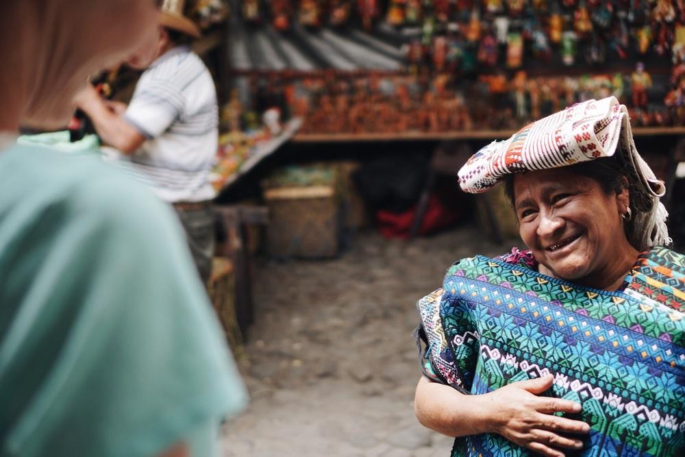 Chichicastenango: sie strahlt, als hätten wir was gekauft.