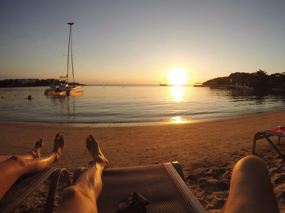 """Sonnenuntergang an """"unserem"""" Strand."""