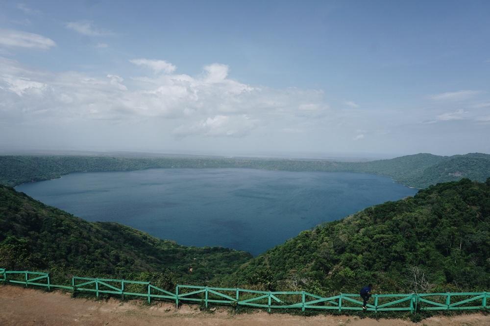 Die Laguna de Apoyo vom Aussichtspunkt bei Catarina.