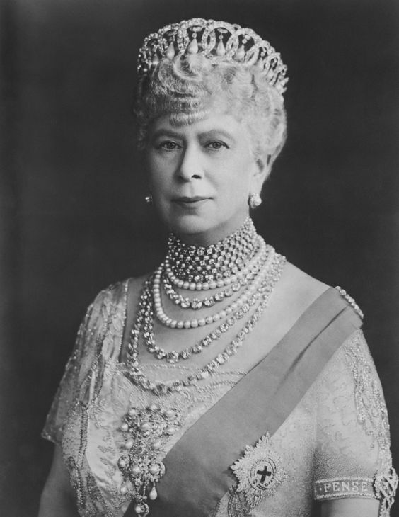 Queen Mary wearing the Vladimir tiara.  Note her diamond studded Garter star.