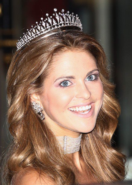 Princess Madeleine of Sweden is rocking the high school prom queen in this example of how a diamond tiara can look so wrong.
